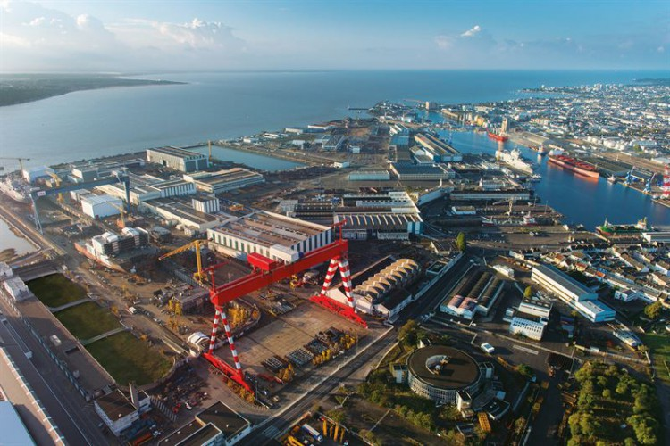 UE zawiesza sprawę przejęcia Chantiers de l'Atlantique przez Fincantieri - GospodarkaMorska.pl