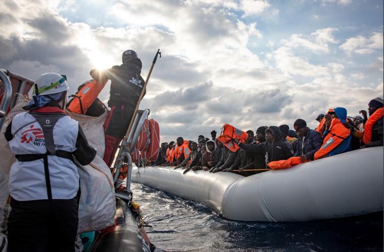 Cypr Północny przyjął łódź z uchodźcami, których nie wpuścili cypryjscy Grecy - GospodarkaMorska.pl