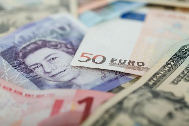 Raport Ebury: Pandemia topi rynki, a panika napędza umocnienie dolara amerykańskiego - GospodarkaMorska.pl