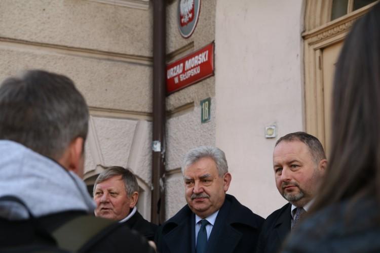 Senator Kazimierz Kleina prosi o wstrzymanie decyzji w sprawie likwidacji Urzędu Morskiego w Słupsku - GospodarkaMorska.pl
