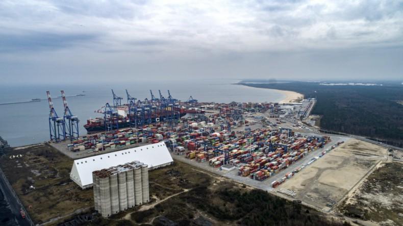 Prezes DCT Gdańsk dziękuje pracownikom i podkreśla ogromną rolę portów w czasach kryzysu COVID-19 [wideo] - GospodarkaMorska.pl