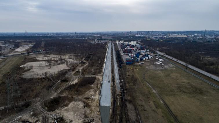 PKP PLK: na kolejowych budowach bez istotnych zmian w związku z epidemią koronawirusa (wideo) - GospodarkaMorska.pl