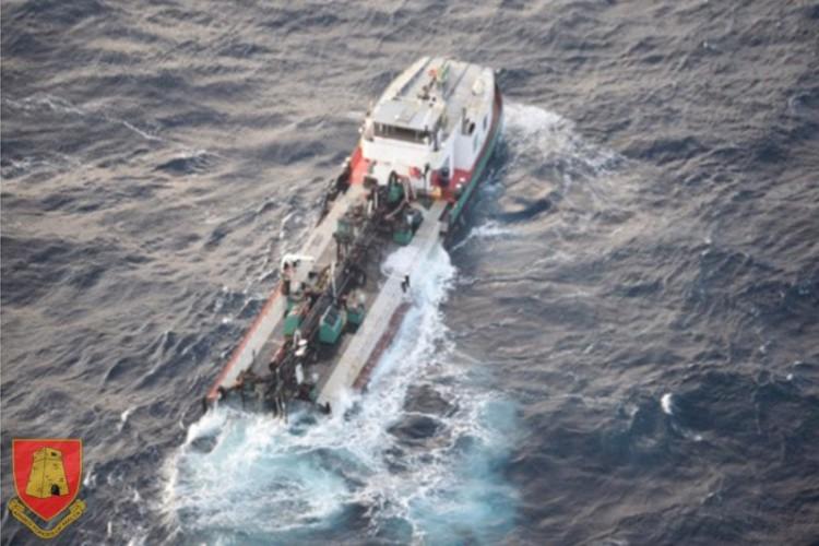 Tankowiec złamał się na pół u wybrzeży Malty - GospodarkaMorska.pl