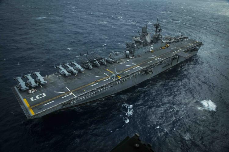 USA: 1000 członków załogi lotniskowca US Navy ewakuowanych na Guam - GospodarkaMorska.pl