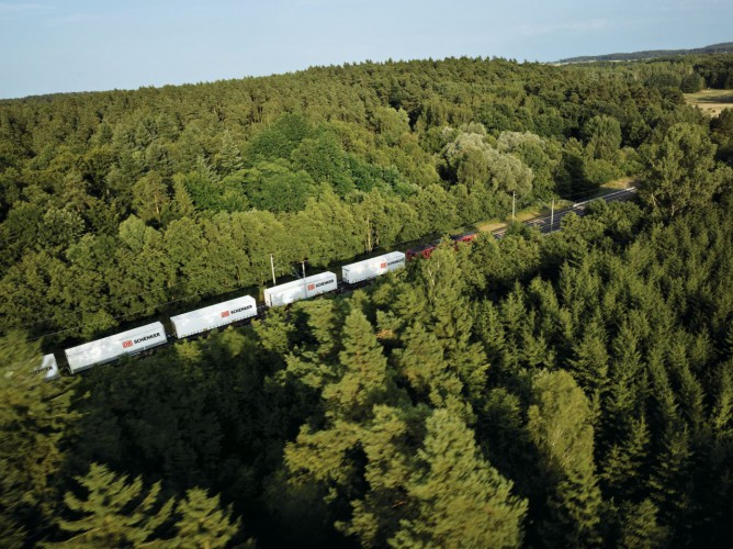 DB Schenker: nowy pociąg towarowy z prowincji Shandong - GospodarkaMorska.pl
