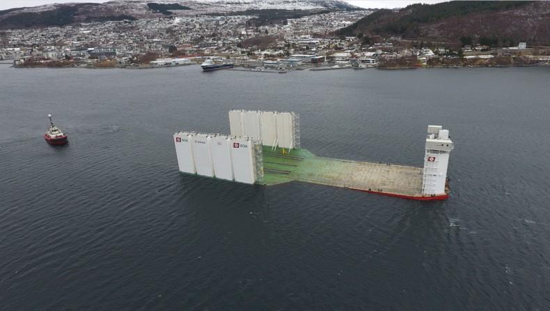 Stocznia Kleven Verft AS przebudowała największą tego rodzaju barkę półzanurzalną na świecie (foto, wideo) - GospodarkaMorska.pl