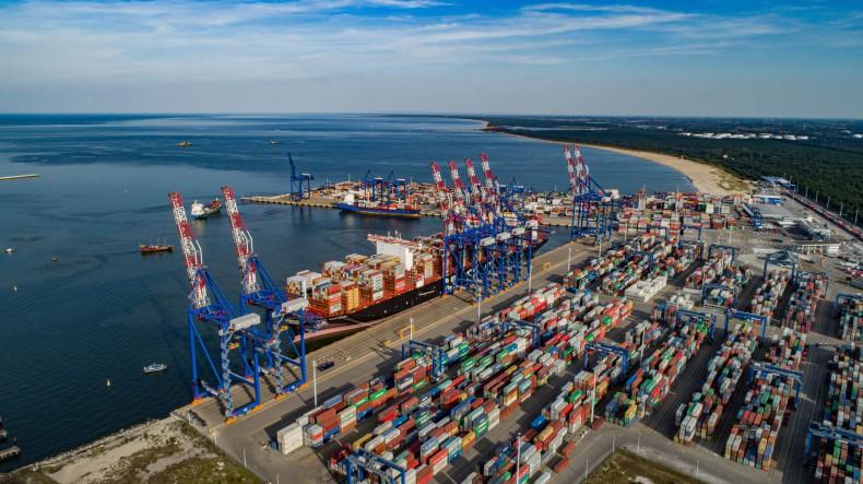 DCT Gdańsk, kluczowy polski hub handlowy utrzymuje operacje przeładunkowe - GospodarkaMorska.pl