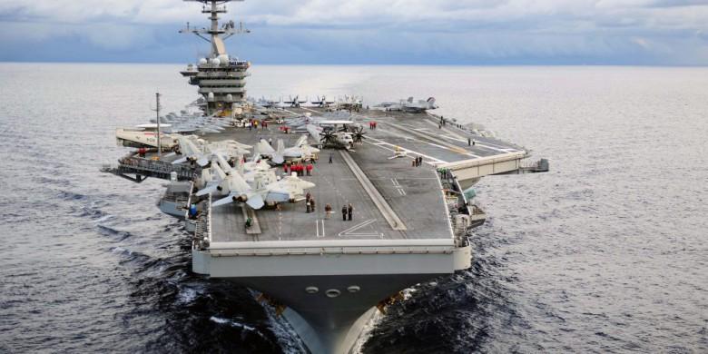 Marynarz z lotniskowca USS Theodore Roosevelt trafił na oddział intensywnej terapii - GospodarkaMorska.pl