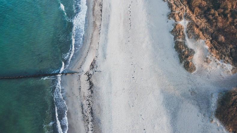 Niemiecki sąd anulował zakaz podróży na plaże; politycy apelują: zostańcie w domach - GospodarkaMorska.pl