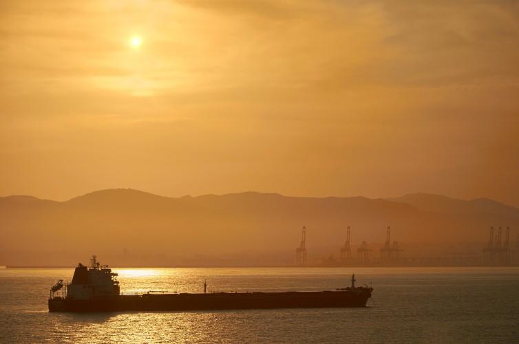Cena ropy na giełdzie w Nowym Jorku zmierza w kierunku 23 USD/b - GospodarkaMorska.pl
