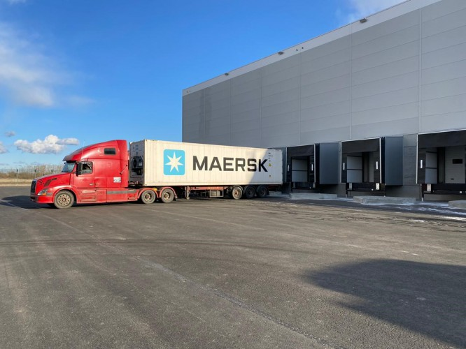 Maersk uruchomił pierwszą chłodnię w Petersburgu - GospodarkaMorska.pl