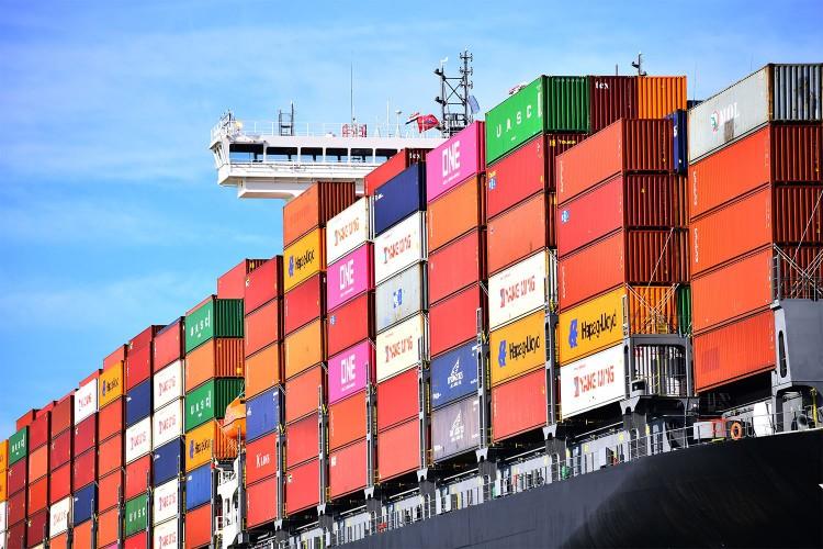 Port w Rotterdamie spodziewa się 10-20 proc. spadku przeładunków z powodu koronawirusa - GospodarkaMorska.pl