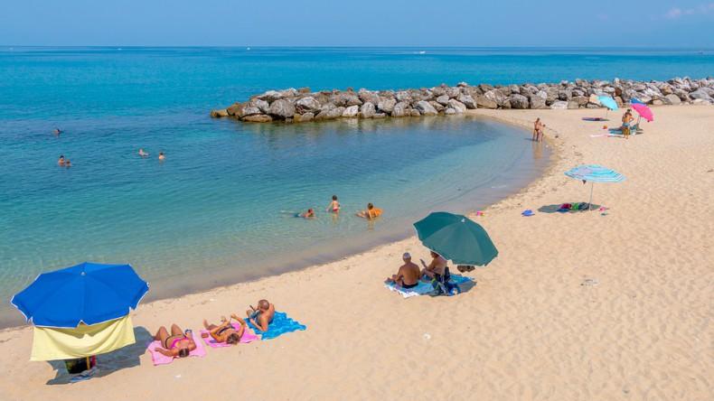 Propozycja włoskiego kurortu: 50 metrów kwadratowych plaży dla rodziny - GospodarkaMorska.pl
