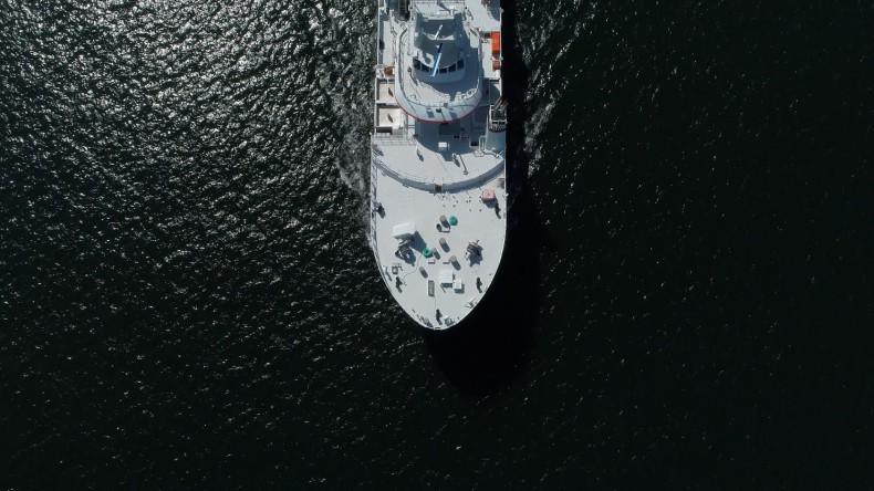 Tysiące marynarzy uwięzionych na statkach u kresu wytrzymałości psychicznej - GospodarkaMorska.pl