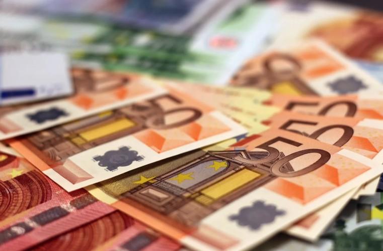 UE jako całość odpowiada na kryzys kwotą 3,4 biliona euro - GospodarkaMorska.pl