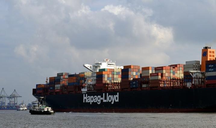 Hapag-Lloyd obniżył zużycie energii o 9 procent dzięki oczyszczeniu kadłubów na 33 statkach - GospodarkaMorska.pl