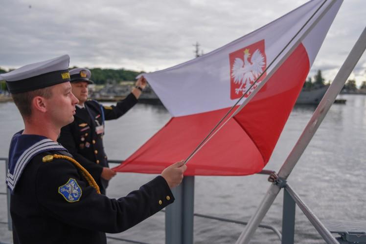Dzień Flagi RP i Święto Konstytucji 3 Maja - GospodarkaMorska.pl