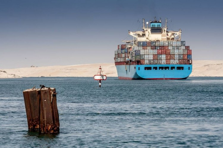 Kanał Sueski może stracić ponad 10 mln dolarów, gdyż statki wybierają okrężne trasy - GospodarkaMorska.pl