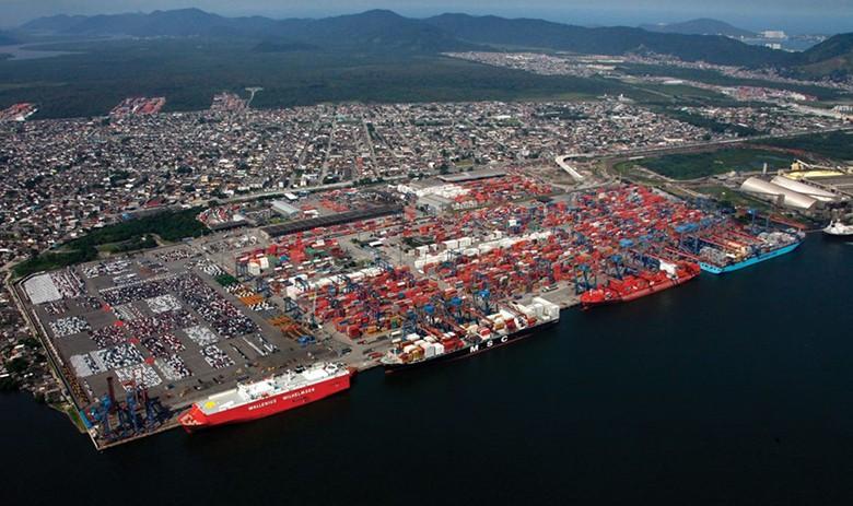 Kolejka statków w brazylijskich terminalach cukrowych może oznaczać początek wzrostu popytu na transport towarów - GospodarkaMorska.pl