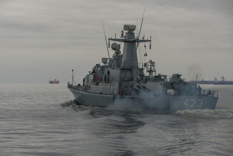 Bałtyk pod ostrzałem: szkolenie morskie na pokładzie ORP Grom - GospodarkaMorska.pl