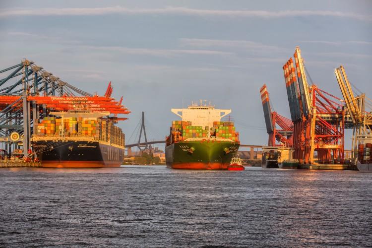 Port Hamburg odczuwa skutki kryzysu COVID-19 - spadek przeładunków w pierwszym kwartale 2020 - GospodarkaMorska.pl