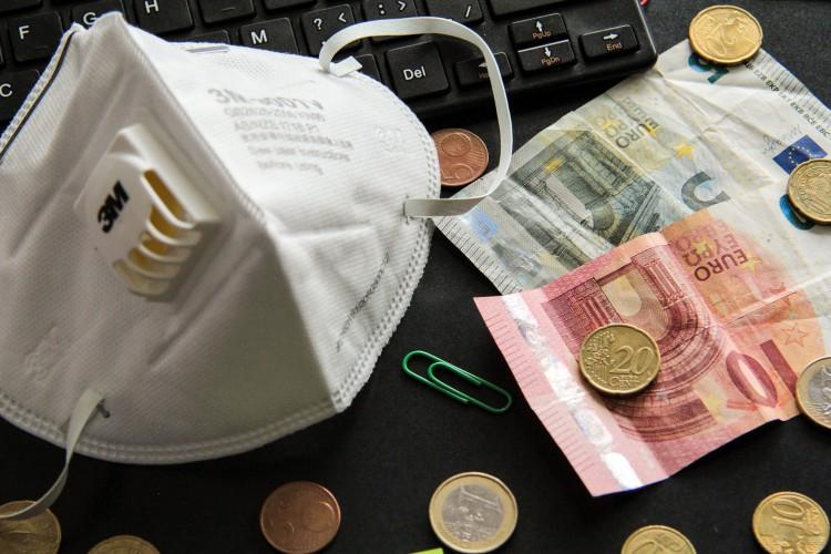 Macron i Merkel ogłaszają inicjatywę wsparcia dla Europy wartą 500 mld euro - GospodarkaMorska.pl