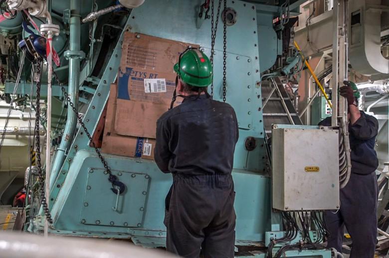 Spadek produkcji przemysłowej w kwietniu odnotowano w 30 spośród 34 działów - GUS - GospodarkaMorska.pl