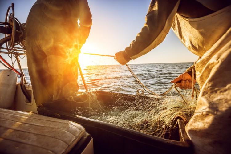 Bohaterowie oceanów: zrównoważony przemysł rybny stawia czoła pandemii COVID-19 - GospodarkaMorska.pl