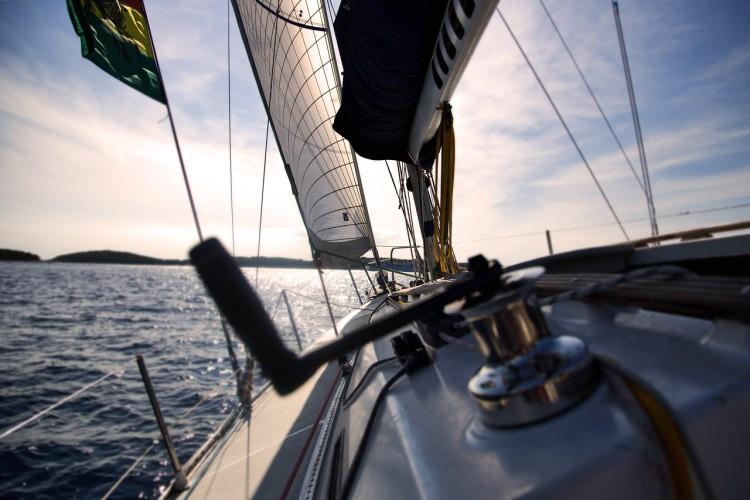 Na Bałtyku zatonął jacht; uratowano dwie osoby - GospodarkaMorska.pl