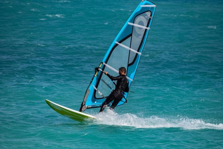 Uzyskaj numer POL na żagiel deski windsurfingowej - GospodarkaMorska.pl