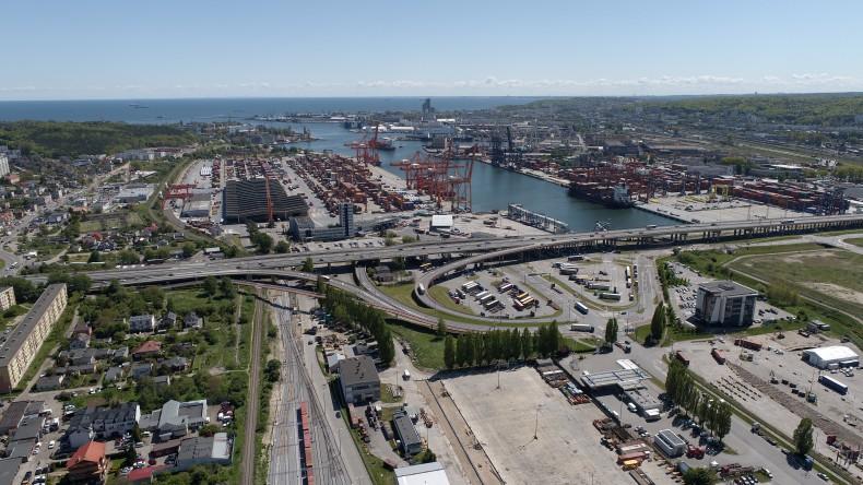 Rozwój Portu Gdynia w kierunku Smart Port - GospodarkaMorska.pl