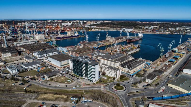 Zawarcie warunkowej umowy sprzedaży nieruchomości w Vistal Gdynia - GospodarkaMorska.pl