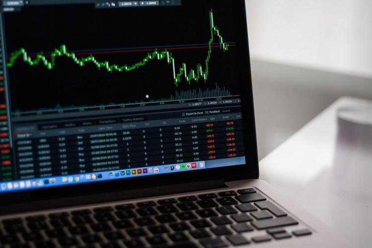 Waloryzacja działa obiektywnie. Dynamiczna sytuacja na rynku, ceny spadają - GospodarkaMorska.pl