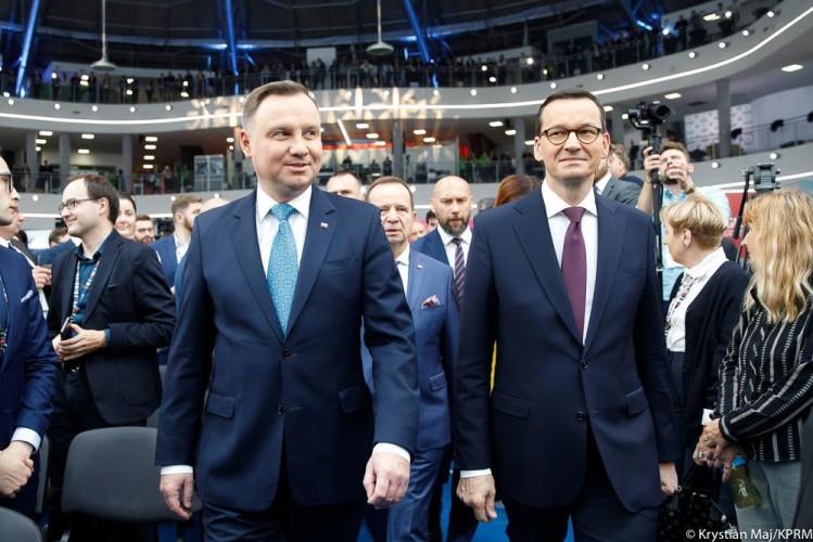 Morawiecki: Polska będzie miała najmniejszy spadek PKB ze wszystkich krajów UE - GospodarkaMorska.pl