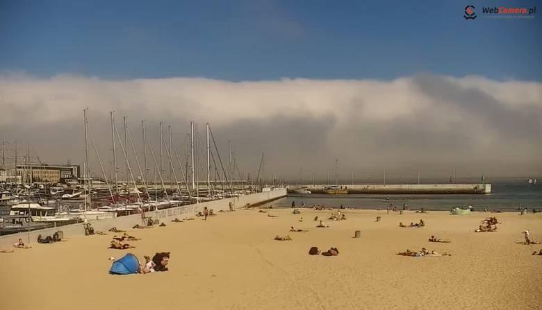 Nad Zatoką Gdańską przemieszcza się mgła adwekcyjna - GospodarkaMorska.pl