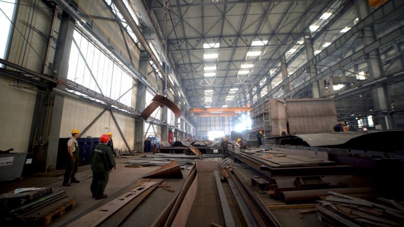 Pekao: w maju zatrudnienie w sektorze przedsiębiorstw spadło o 85 tys. m/m - GospodarkaMorska.pl