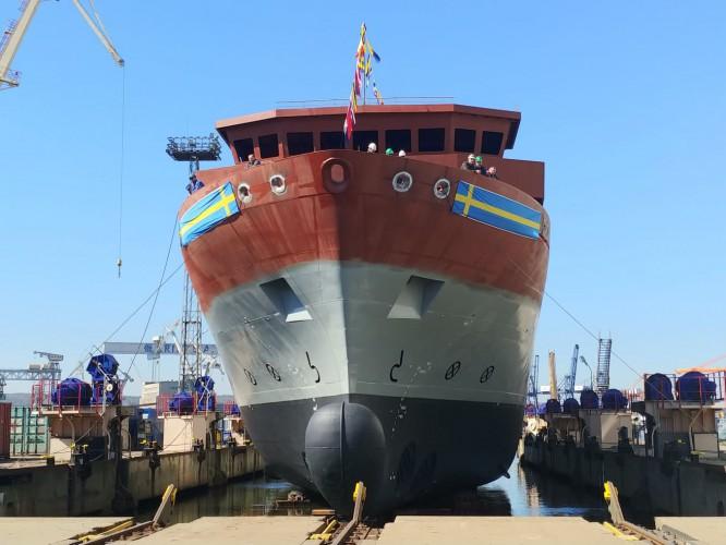 Zobacz wodowanie okrętu dla Królewskiej Szwedzkiej Marynarki Wojennej - GospodarkaMorska.pl