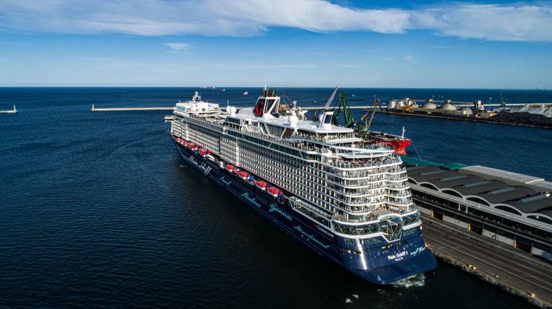 Mein Schiff 1 w Porcie Gdynia - GospodarkaMorska.pl