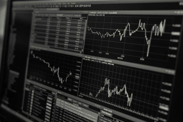 Małe zmiany indeksów na Wall Street, Nasdaq w górę piąty dzień z rzędu - GospodarkaMorska.pl