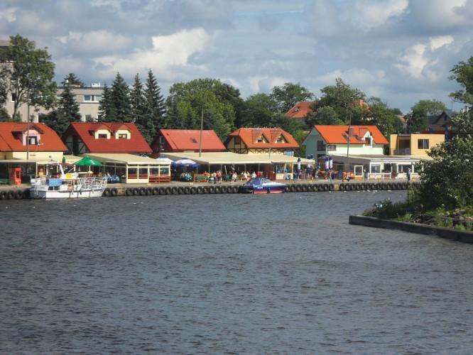 Mężczyzna wjechał do kanału portowego w Mrzeżynie - GospodarkaMorska.pl