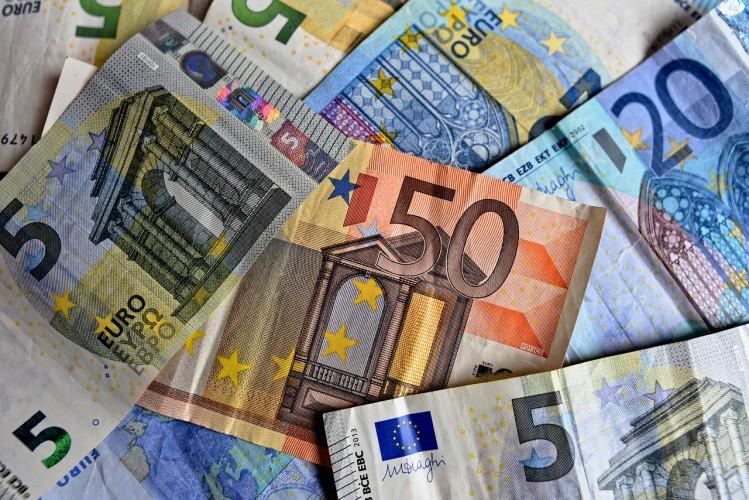 Raport Ebury: Odczyty PMI w tym tygodniu mogą zaskoczyć na plus - GospodarkaMorska.pl