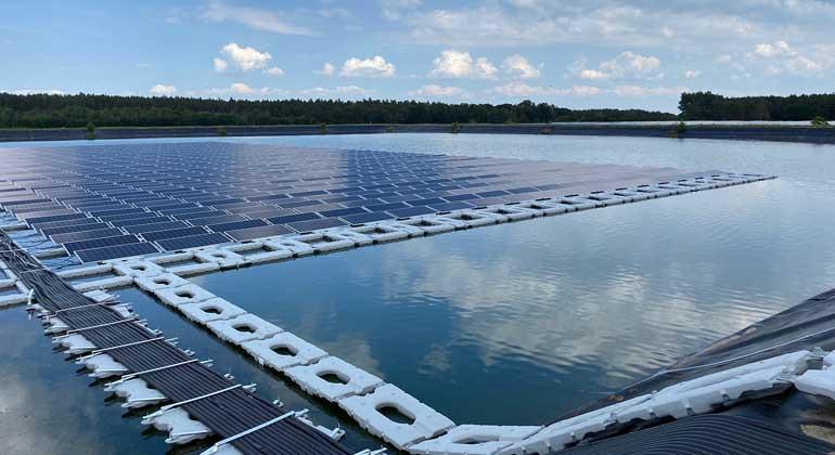 Pływająca elektrownia solarna rozpoczyna działalność komercyjną w Niemczech - GospodarkaMorska.pl