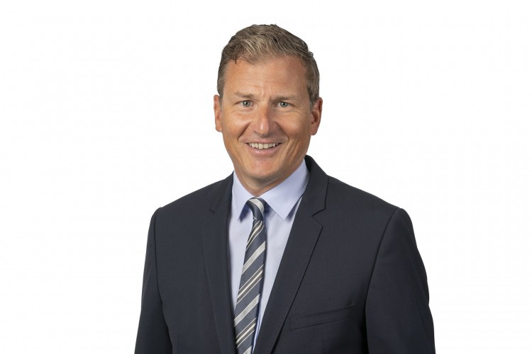 Robert Erni nowym CFO Dachser - GospodarkaMorska.pl
