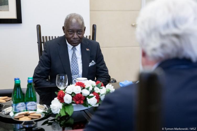 MSZ: Angola priorytetowym partnerem w Afryce w dziedzinie transportu, rybołówstwa oraz w sektorze wydobywczym - GospodarkaMorska.pl