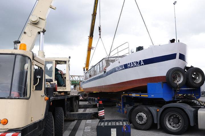 Łeba: pożar dwóch statków! Przyczyny zdarzenia bada policja - GospodarkaMorska.pl