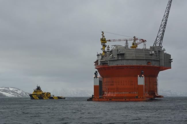 Największa na świecie cylindryczna platforma wiertnicza już na Morzu Barentsa - GospodarkaMorska.pl