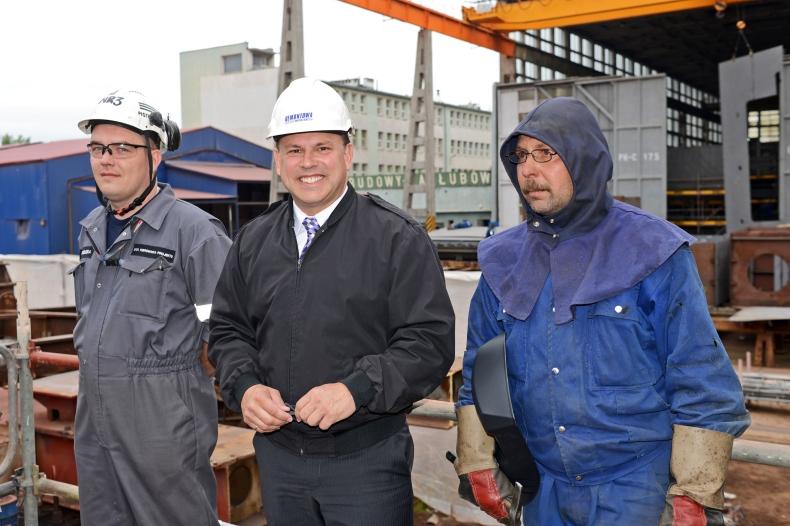 Położenie stępki pod nowoczesny prom pasażersko-samochodowy w Remontowa Shipbuilding - GospodarkaMorska.pl