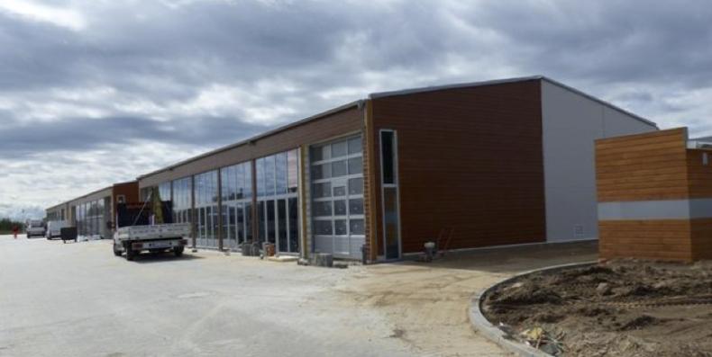 Port w Darłowie powiększył się o trzy nowe hale. Korzystać z nich będą rybacy - GospodarkaMorska.pl