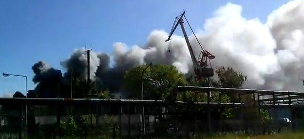 Pożar w Stoczni Marynarki Wojennej - GospodarkaMorska.pl