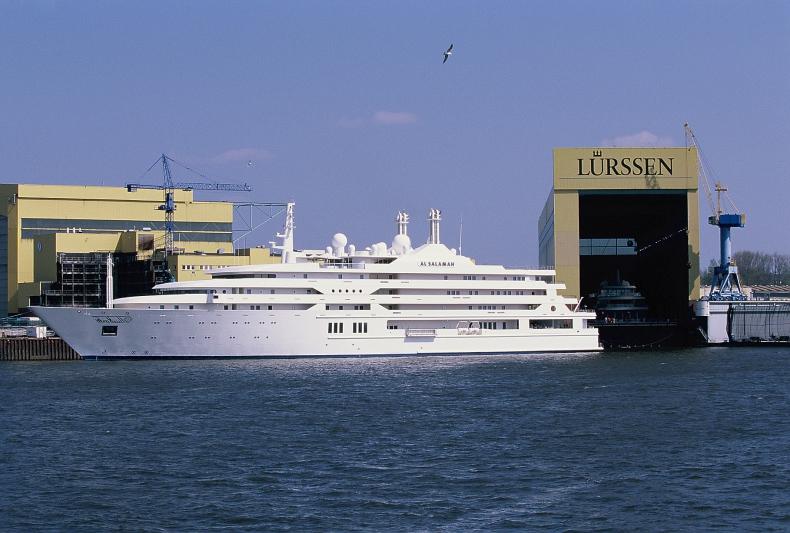 Dziesiątkę największych jachtów na świecie zamyka wybudowany w 1999 roku Al Salamah. Statek mierzy 139 metrów długości - GospodarkaMorska.pl
